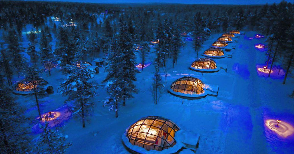 Kakslauttanen: gli igloo futuristici in Lapponia da cui ammirare l'aurora boreale